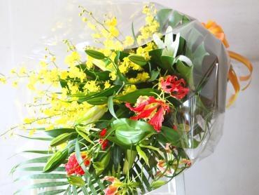 華やかな御供用の花束